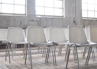loods stoelen wit