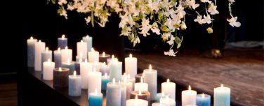 Bloemenregen uitvaart kaarsen